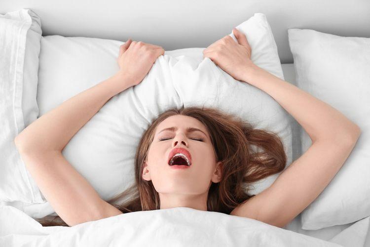 Ženský orgazmus v posteli